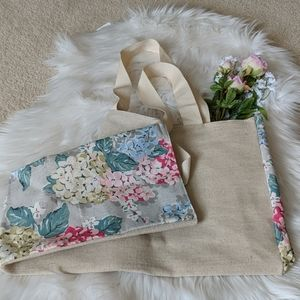 🆕 Canvas tote w/flower panels New in original bag